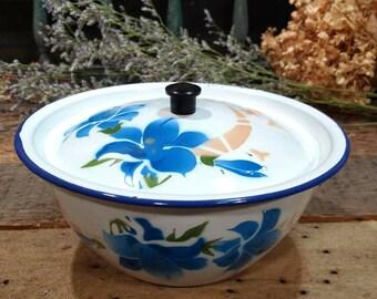 Vintage Enameled / Enamel / Enamelware / Storage / Serving Bowl with Lid/ Painted / Floral / Flower Design / Blue and White