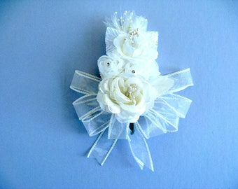 Bridal shower corsage, Corsage for women, Ivory wearable corsage, Anniversary corsage, Prom corsage, Floral bridal corsage, Gift for moms