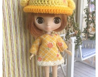 "Petite Blythe / Little Dal Outfit : ""Hello Cute Duck Dress"" (Dress)"