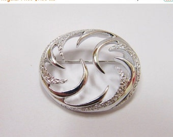 On Sale SARAH COVENTRY Textured Silver Tone Pin Item K # 2373