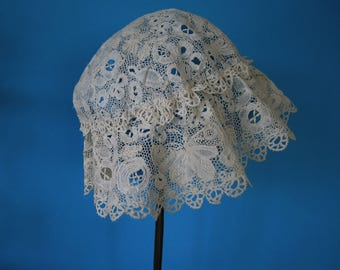 Superb Victorian HONITON Lace Baby Mob Cap - Bonnet Butterflies Birds