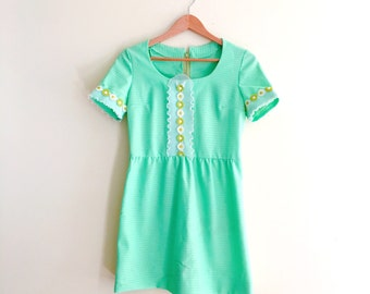 Vintage Daisy Babydoll Dress // Mint Green Mini Dress // Scooter Dress // 1960s