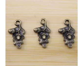 8 Oak Leaf Charms with Acorns Well Crafted Bronze Tone Leaves Nature Fall 22x13mm