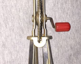 Androck Vintage Hand Mixer Depression Era Vintage Red Bakelite Handled Egg Beater Batter Mixer Kitchen Ware