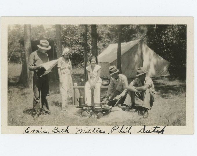 Vintage Snapshot Photo: Ernie, Beth, Millie, Phil & Dutch Go Camping, c1930s (71543)