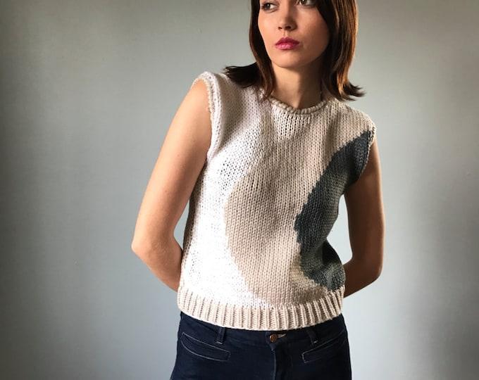 Vintage 80s Minimalist Sleeveless Sweater Top