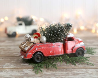 Red Truck Christmas, Vintage Red Truck and Christmas Tree, Vintage Bottle Brush Tree, Country Farmhouse Christmas Decor, Retro Christmas