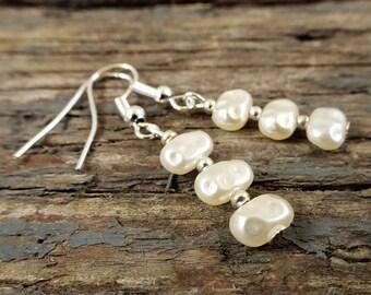 Pearl earrings, bridal earrings, wedding earrings, wedding jewelry, bridal jewelry, pearl jewelry, bridesmaid gift, gift for her, pearl