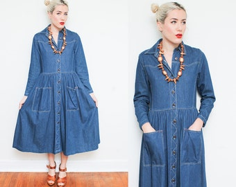 Blue Denim Dress // Jean Day Dress // 80s Maxi Long Sleeve Collared Button Down Front Pocket Loose Fit Boho Style Size Small 8 10