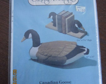 Canadian Goose and Goose-head Bookends Pattern