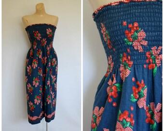 Vintage Strapless Cherry Dress / 1970's Tube Top Dress / Vtg 70s Sun Dress / Vintage Festival Dress / Strapless Berries n Bows Dress  S/M