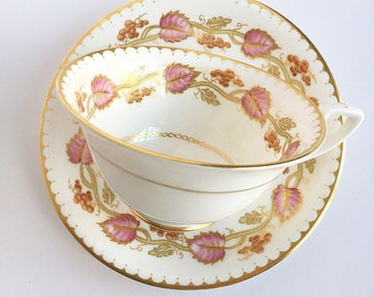 Vintage Tea Cup / Gold Trim ~ Made in England ~ Cup and Saucer / Bridal Tea / Shower Gift / Antique Tea cup / Leaves / Ivy