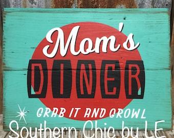 Mom's Diner Shiplap sign Retro