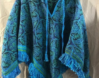 Beautiful Vintage Blue and Green Poncho Tapestry Fringe Size Small