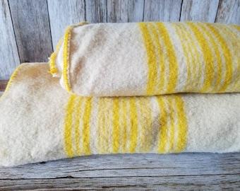 2 VINTAGE Twin Cozy WOOL BLANKETS 1940 Wool Blankets