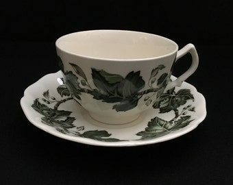 Vintage Johnson Bros Ivy Leaf Tea Cup and Saucer Made in England   (LDT6)