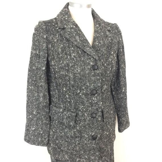 Vintage suit late 1960s black white grey tweed boxy long jacket pencil skirt UK 8 Jackie O midcentury Mod 1970s style Wedding car coat
