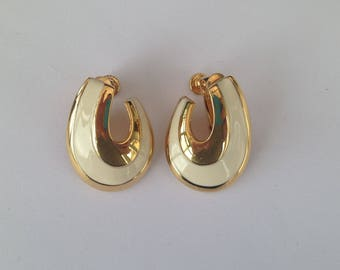 Vintage Napier Goldtone and Cream Enamel Screw Back Earrings.