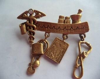 Vintage Signed Danecraft Gold pewter Doctors Dangler Brooch/Pin