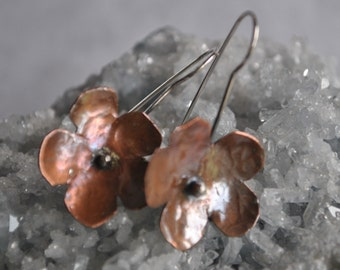 Flower copper dangling earrings, textured metal earrings, rustic earrings, artisan earrings