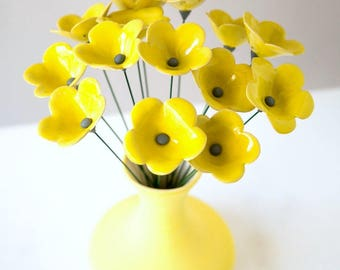 Outdoor Art Patio Summer Decoration, Unique Flower and Vase Set, Table Centerpiece, Bouquet of 15 Sunny Lemon Yellow Ceramic 5-Petal Flowers