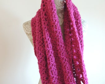 Handmade chunky infinity scarf/cowl/caplet - Pink