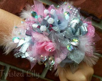 Wrist corsage and bout set Request custom colors