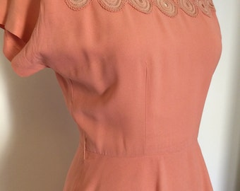 Vintage Peach Pink 1940s Dress / 40s Rayon Peplum Dress / Embellished Collar / M-L Size