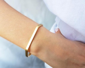 Gold cuff bracelet, Minimalist gold bracelet, Stacking cuff, Gold bangle bracelet, Skinny bracelet, Band bracelet, Everyday bracelet