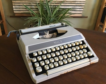 Vintage 1970s Royal Mercury Typewriter - Working Well with New Ribbon