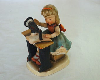 Vintage Girl with Sewing Machine Figurine - Serving A2626D Japan