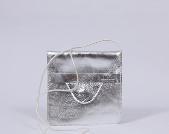 Jil - silver leather purse