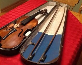 Vintage Violin Case with Violin and Bows