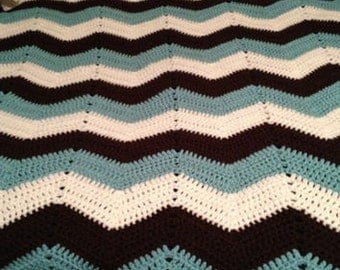 Classic Crochet Chevron Adult Throw