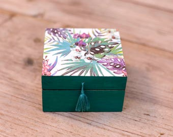 Handmade decoupaged wooden trinket / jewelry box - green floral tropical