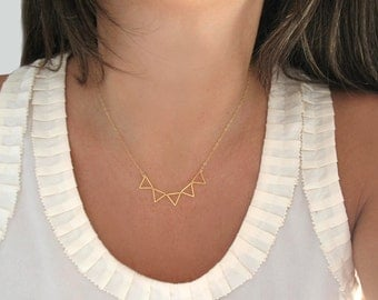 Bunting necklace / Triangles necklace / Five Triangles Necklace / Gold Bunting Necklace /Silver Bunting Necklace / Geometric Necklace