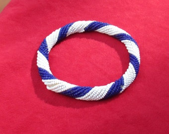 Retro Blue & White Beaded Wired Bangle Bracelet