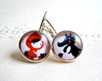 Earrings: Little Red Riding Hood. Boucles d'oreille, en métal argenté, le petit chaperon rouge et le loup. Bijoux enfant ou adulte.