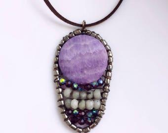 Boho lilac pendant, Pendant Round Agate and Labradorite