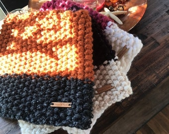 Noni Cowl  // Orange + black