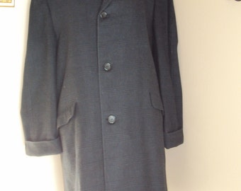 """1960s Mens Black Fully Lined Wool Topcoat/ Overcoat/ Trench Coat Made By """"Botany"""" 500/ Wool Trenchcoat/ Mens Wool Coat Size 42-44/ Vtg Coats"""