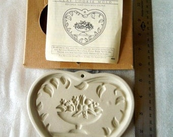 Come to the Table, Pampered Chef 1999 Cookie Mold, Stoneware Cookie Mold, Family Heritage Collection