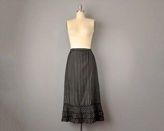 1800s Skirt // Victorian Black Striped CottonSkirt w/ Ruffled Hem // S-M