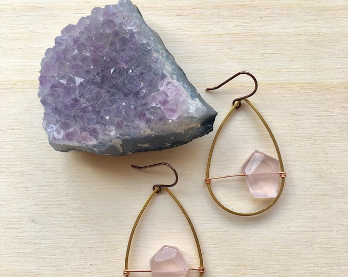 Rose Quartz Tear Drop Earrings / Pink Stone Earrings / Tear Drop Stone Earring / Dangle Earrings / Rose Quartz Dangle Earrings
