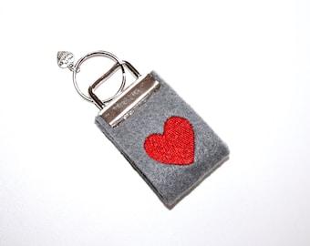 Mini key chain made of felt heart dark grey