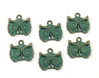 6 owl charms bronze tone and green patina, 17mm #CH 235