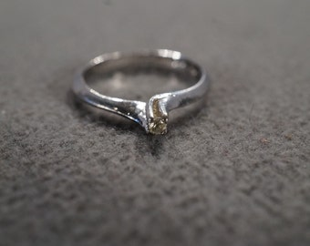 vintage sterling silver solitaire sweetheart promise ring in a four-pronged bypass setting, size 4   M1