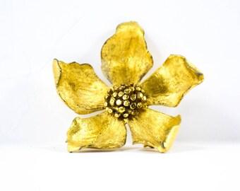 Vintage Flower Brooch- Vintage GoldTone Flower Brooch- Vintage B.S.K Brooch- Gift for her- Girlfriend Gift- Mom Gift- Fashionista Brooch