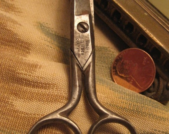 Small Vintage Sissors, Osborn Keene and Co, steel sissors from Germany