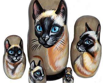 Cats on Five Russian Nesting Dolls. Siamese,